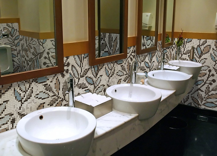 lge-commercial-bathroom